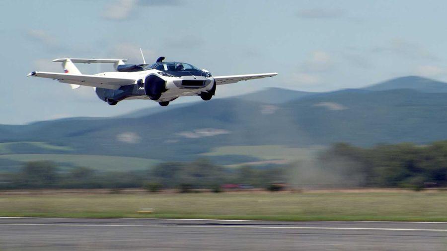 Наконец-то! Первый видеоролик с действительно летающим автомобилем AirCar