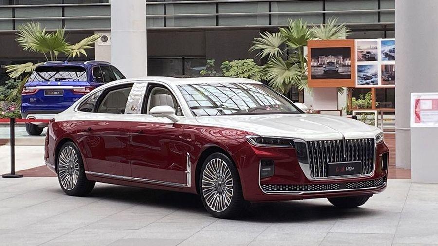 Hongqi H9 получил удлиненную версию, втрое дешевле российского Aurus Senat