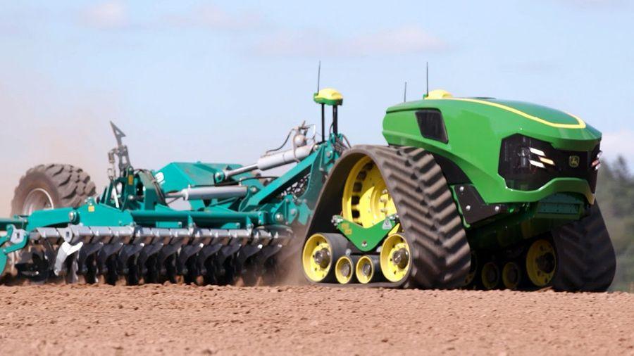 Посмотрите на трактор, которому больше не нужен тракторист