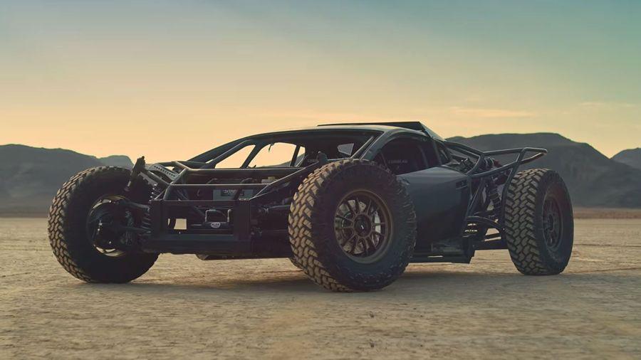 Посмотрите, как самодельный внедорожный Huracan проходит очередное испытание в пустыне