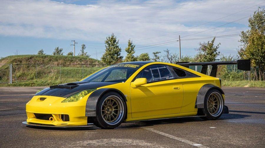 Toyota Celica оснастили 3,6-литровым V8 от Ferrari