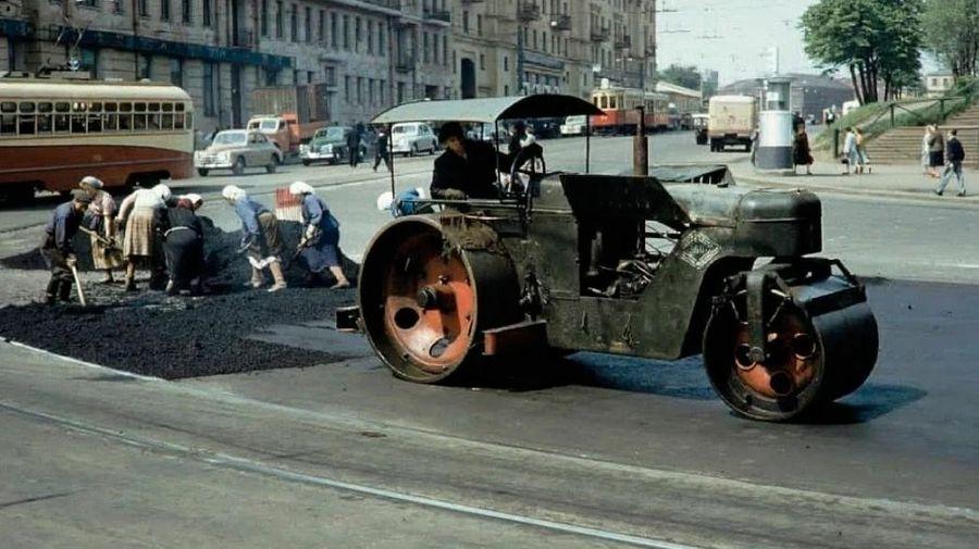 Теплые «ламповые» фотографии времен СССР с советскими автомобилями — 18