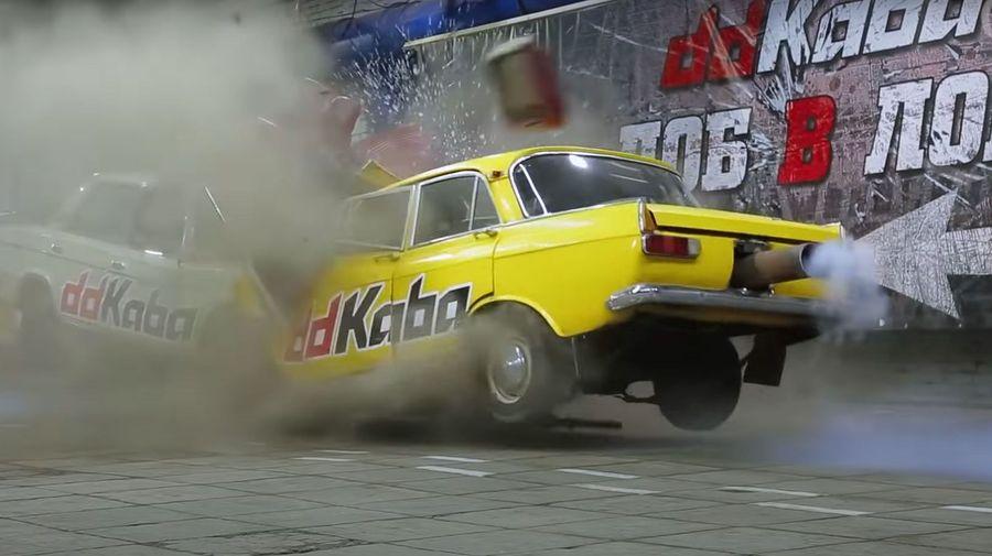 ВАЗ-2106 vs Москвич-412: кто окажется сильнее при лобовом столкновении
