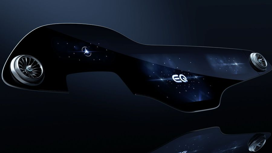 Mercedes-Benz представил 56-дюймовую цифровую панель для флагманского электрокара